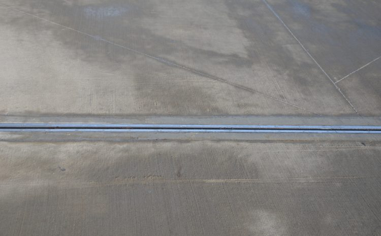Avoid Cracks In Concrete By Cutting Expansion Joints